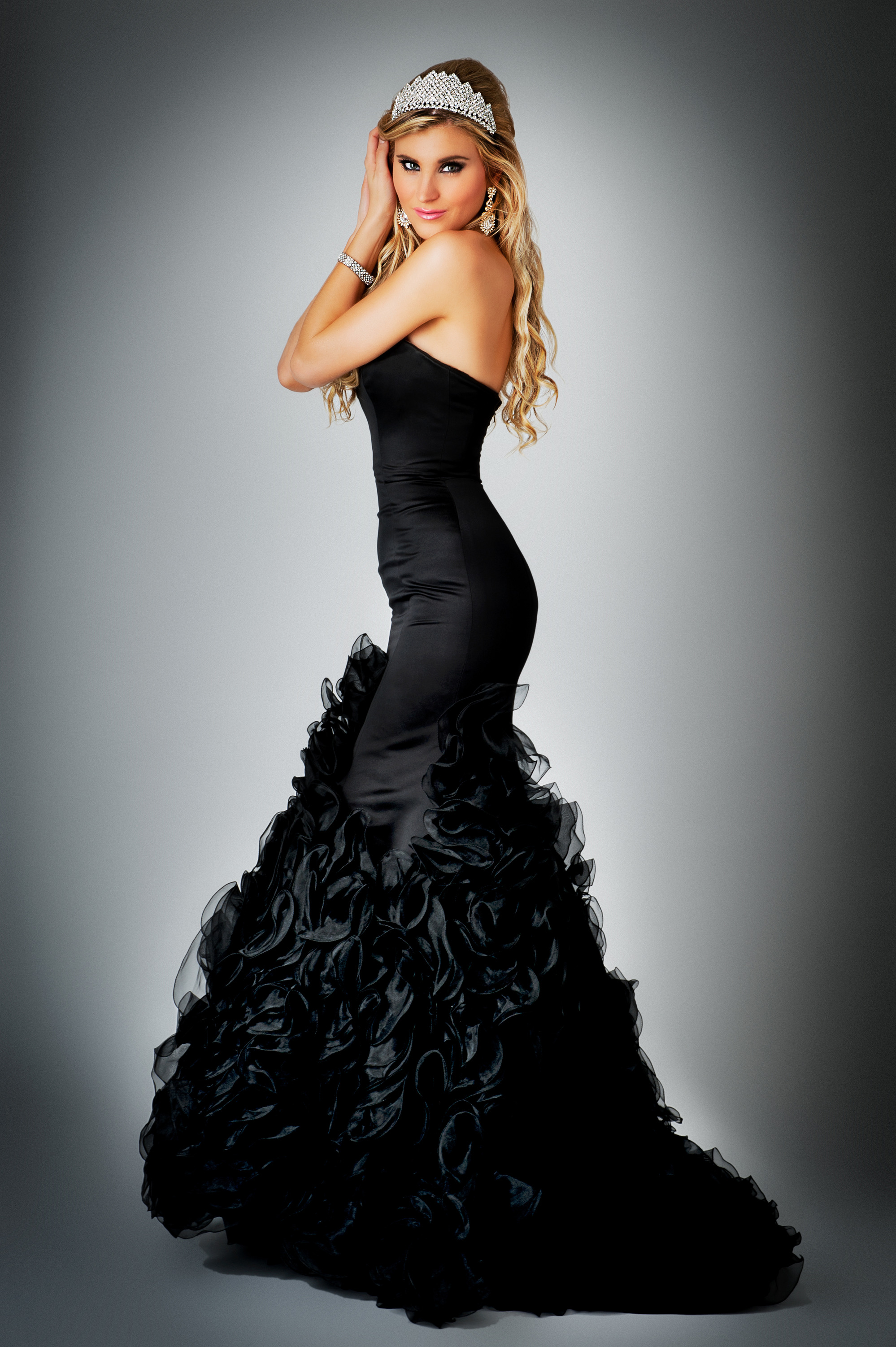 photodune-7021569-beauty-queen-in-ball-gown-dress-l
